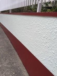 外の塀の塗装 安くできる