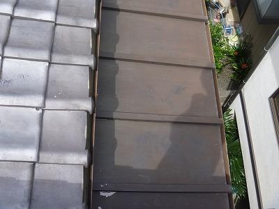 下屋根そろそろ塗りなおさないと