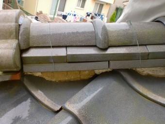 釉薬瓦の漆喰補修
