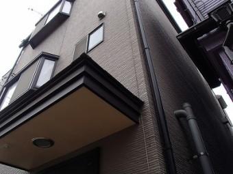 さいたまの外壁塗り替え前の玄関周り