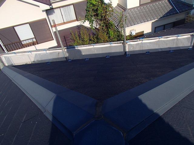 屋根の棟板金補修前の状態