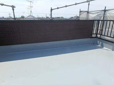 ふじみ野市で【陸屋根の屋上防水工事】を行いました。