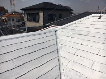 屋根の下塗りを行った状態