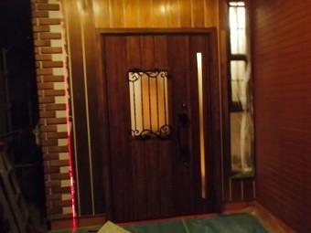 ドア設置しました