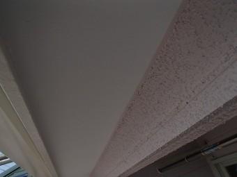 ひさしの軒天を塗装したお写真です
