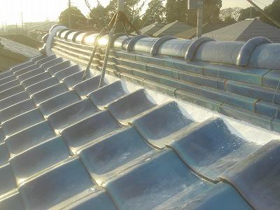 屋根漆喰の詰め直し作業