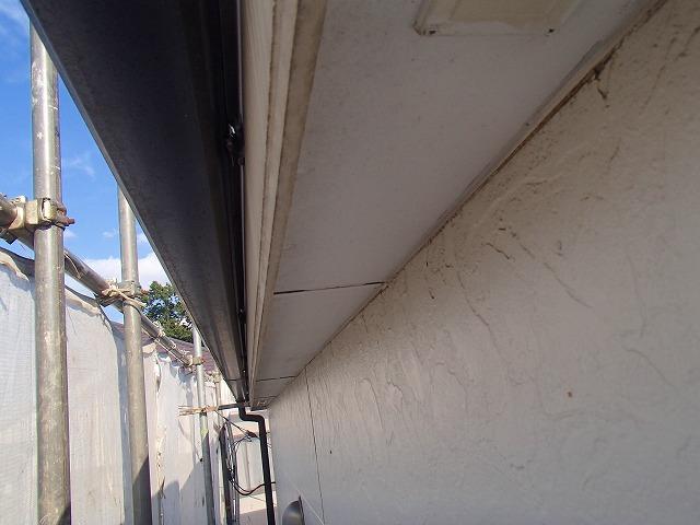軒天部分の補修完成前の状態