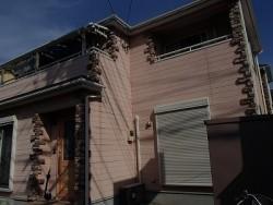 埼玉県街の屋根やさんが塗装した家の全景お写真です