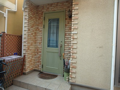 外壁玄関周りの様子