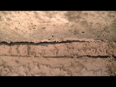 何で外壁にはヒビができるのか