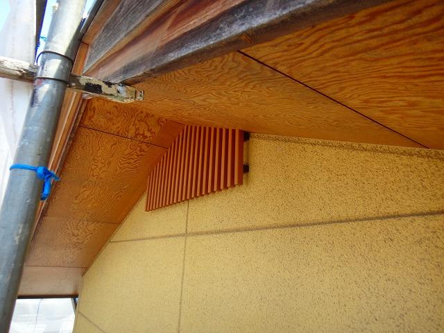 屋根の軒天部分補修前