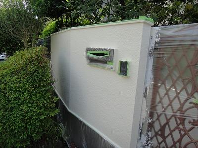 外塀の塗り替えも行います
