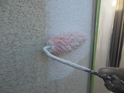 外壁の下塗りの様子