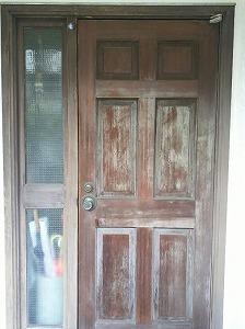 40年たったドア