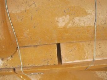 のし瓦の間に隙間