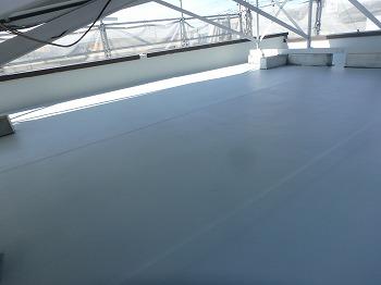 ふじみ野市で劣化した陸屋根のウレタン防水工事と外壁塗装