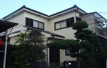 川口市で大好評の【屋根漆喰の詰め直し】を行いました。