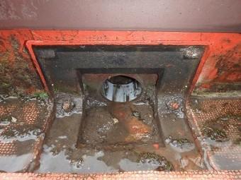 排水溝 泥詰まってる 埼玉
