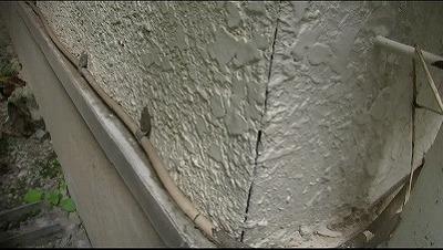 外壁出隅に隙間
