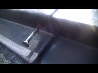 棟板金止め釘浮き