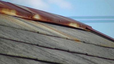 蕨市にて【棟板金工事】屋根工事、塗装を行いました