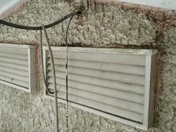 通風孔と壁の塗装