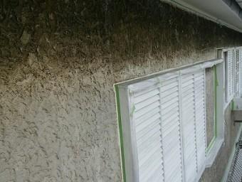 一回も塗り替えてない家の壁